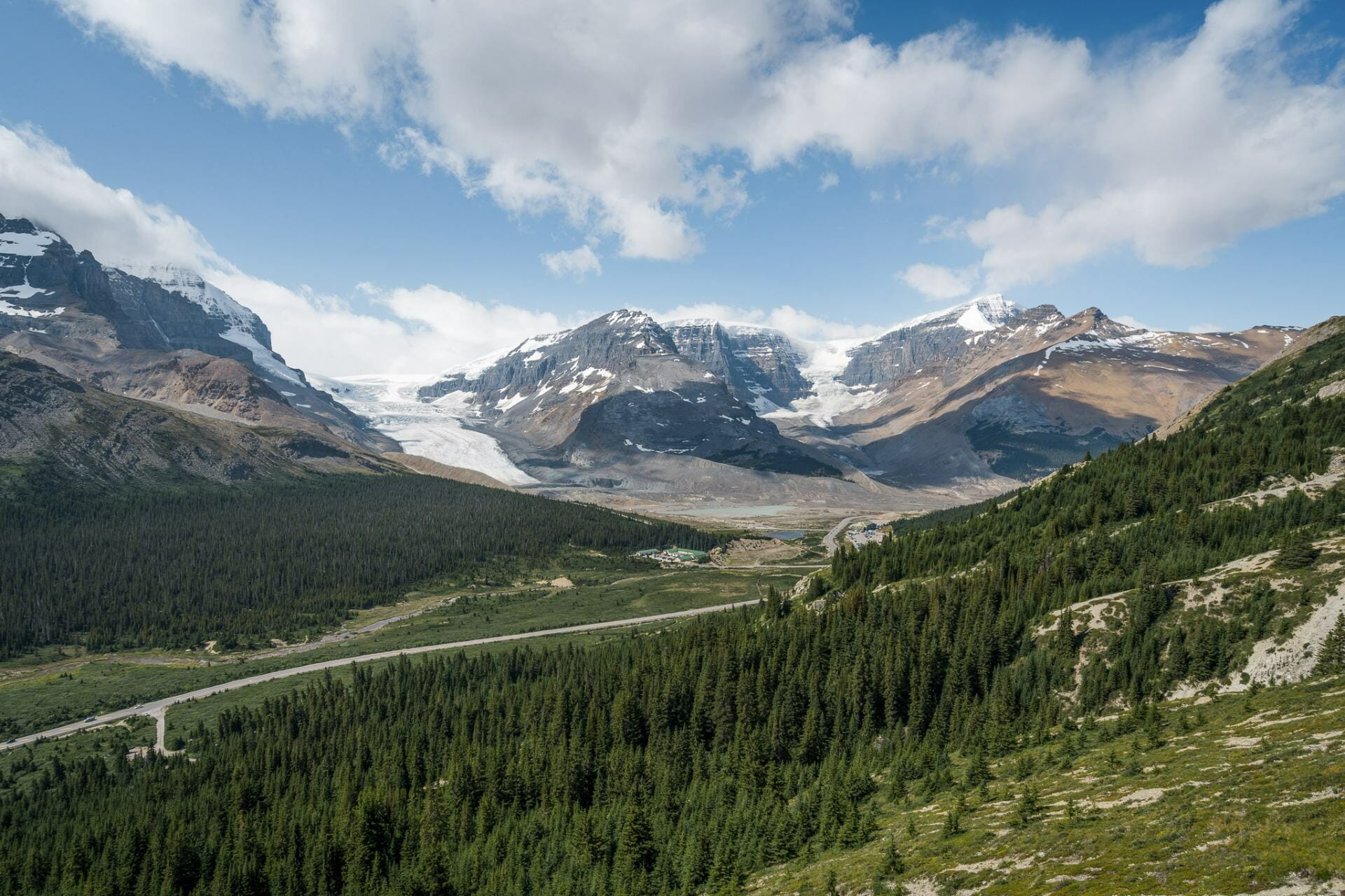 Hiking in Icefields Parkway