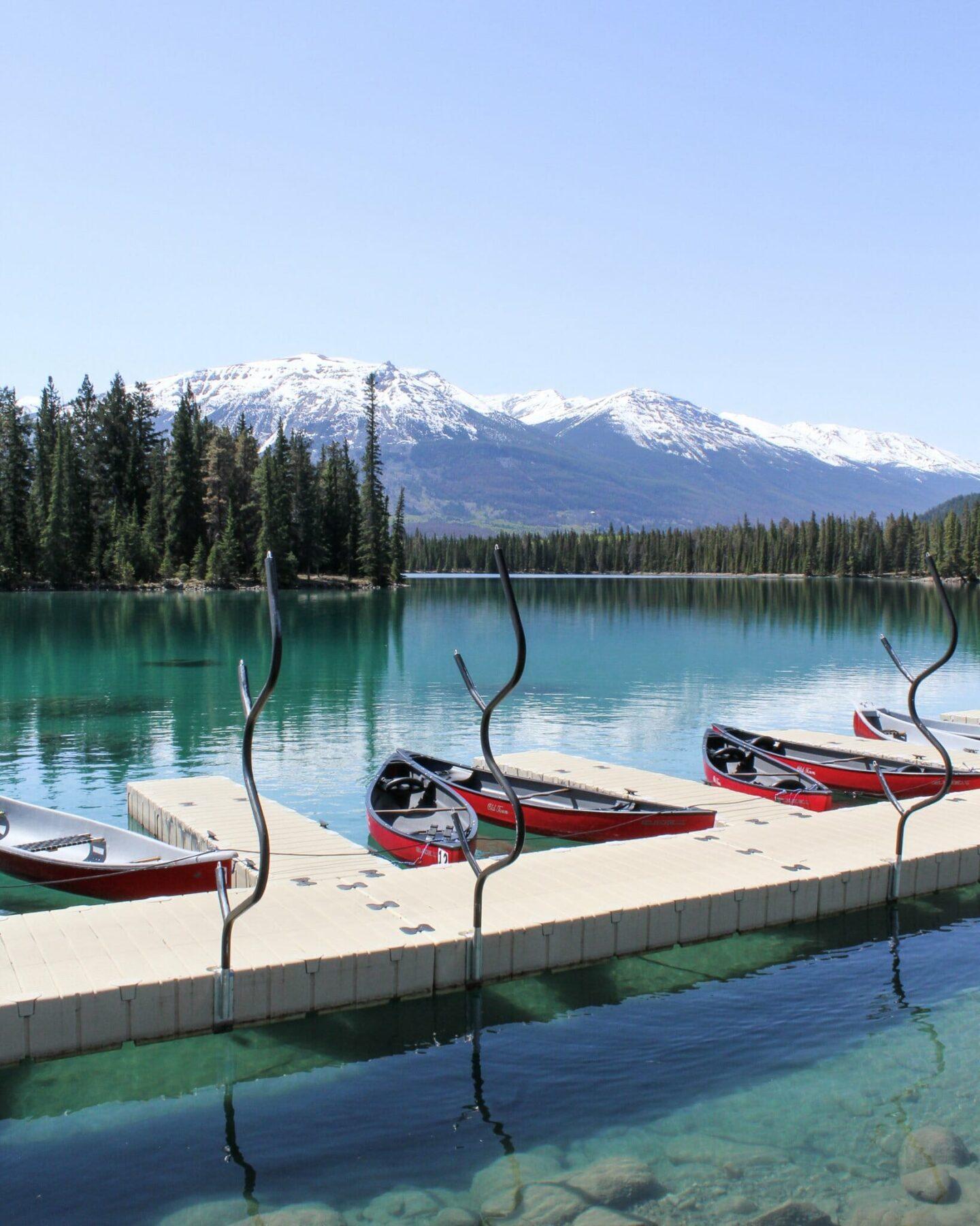 Canoeing in Jasper