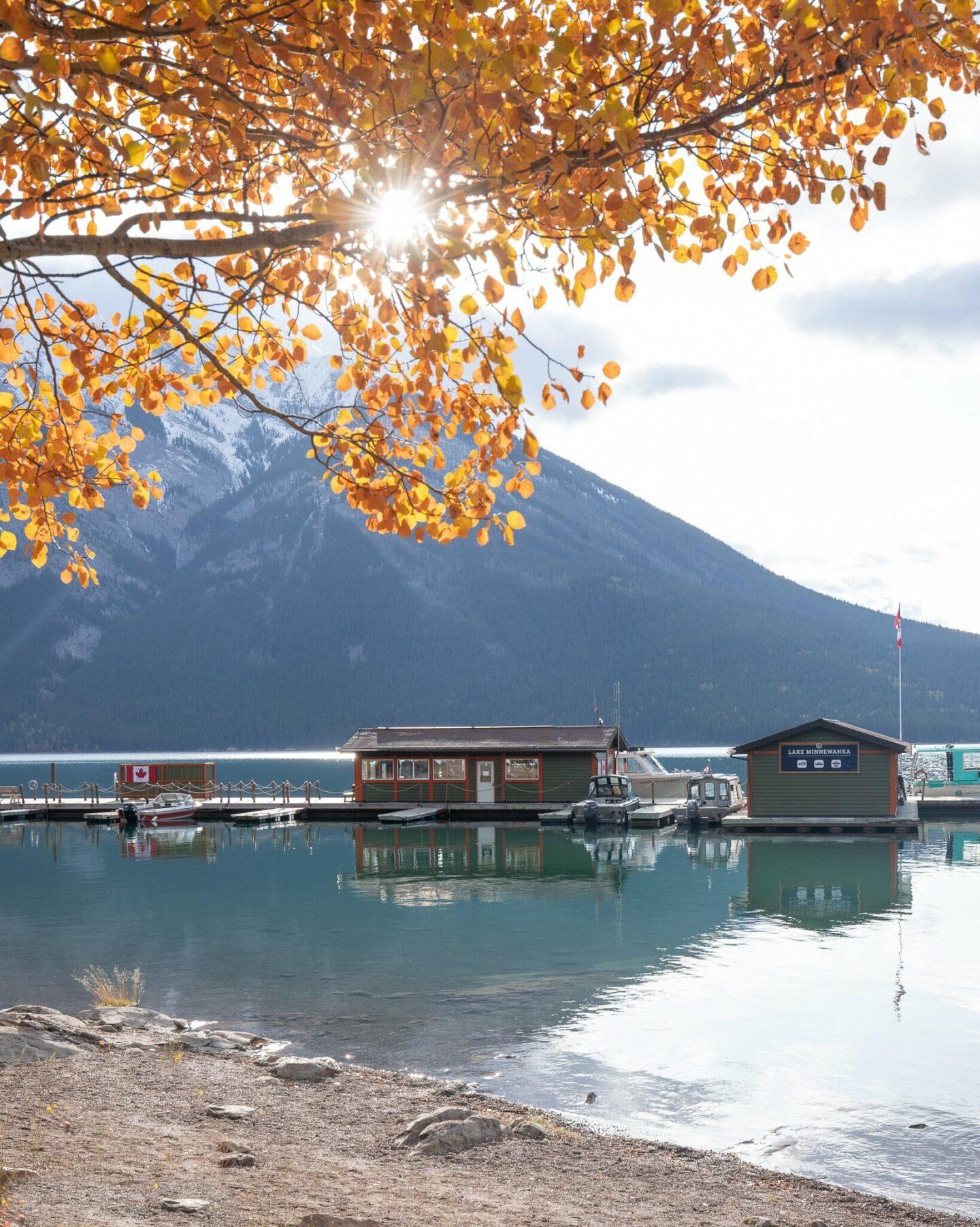 Lake Minnewanka - Best photo spots in Banff National Park